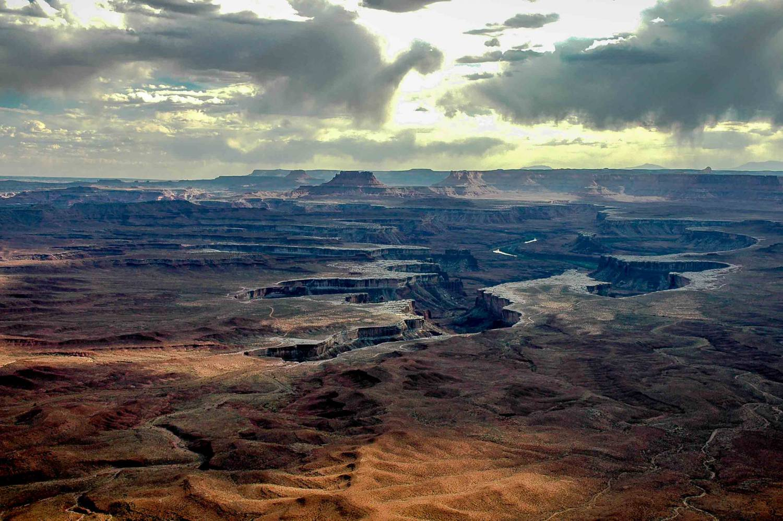 Island_in_the_Sky,_Canyonlands_NP.jpg